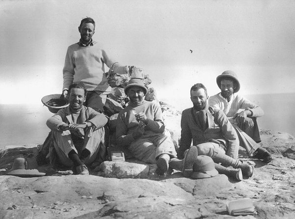 Bagnold and fellow explorers